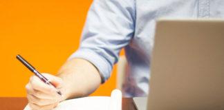 Dlaczego warto zdecydować się na długopisy reklamowe z kolorowym nadrukiem?